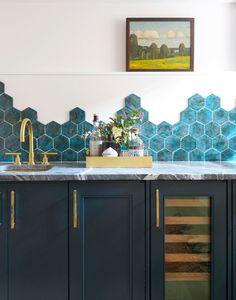 White Kitchen with Blue Backsplash. White Kitchen with Blue Backsplash. We Love Color White Kitchen Cabinets and A Blue Kitchen Kitchen Backsplash Photos, Blue Backsplash, Kitchen Tiles Design, Tile Design, Kitchen Decor, Backsplash Ideas, Kitchen Ideas, Hexagon Backsplash, Tile Ideas