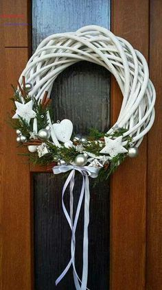 Newest Pics Xmas crafts door Popular Having a nights The holiday season create plan brainstorming. It really is 5 nights prior to Christm Christmas Makes, Rustic Christmas, Christmas Art, Winter Christmas, Diy And Crafts, Christmas Crafts, Christmas Ornaments, Deco Table Noel, Decoration Vitrine
