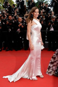 Hilary Swank in Atelier Versace and Chopard jewels at the premiere of The Homesman at the Cannes Film Festival.