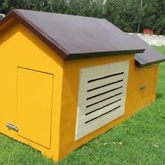 Small Cabin Dog House (DH4001) is made with fine Quality Woods. Mister Pet offers you the bestDog House in Dubai & UAE Countries. Mister Pet is the product of Mister Shade ME  For Customization  Call us now: +971 56 7662799