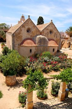 *GREECE ~ Monastery of Arkadi (founded in de century) on the Greek island of Crete Crete Island, Greece Islands, Cool Places To Visit, Places To Travel, Battle Of Crete, Wonderful Places, Beautiful Places, Rethymno Crete, Ancient Greece