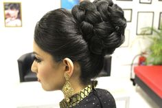 Asian Bridal Hairstyles | Pakistani, Indian Wedding Hair Style | Updo Bu...