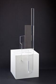 """Hellmut Bruch """"hexagonale progression"""" - 2010, farbloses Acrylgas, 123 x 29 x 24.5 cm"""