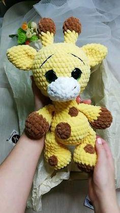 Crochet Bee, Kawaii Crochet, Crochet Baby Toys, Crochet Patterns Amigurumi, Cute Crochet, Crochet Crafts, Crochet Dolls, Crochet Projects, Easy Crochet Animals