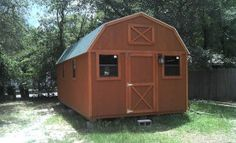 Ever wanted to turn your backyard barn or shed into a livable tiny house for guests or for yourself? Even if it were only for the kids to camp in once in a while. One of our awesome readers, Jean,… Tiny House Cabin, Tiny House Living, Tiny House Plans, Tiny House On Wheels, Tiny House Design, Shed Into House, Trailer Casa, Patio Roof Covers, Backyard Barn