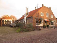 Waar garage Hoogeboom eerst zat en Petit Restaurant Zalencentrum Celavie Dorpsstraat Oudkarspel