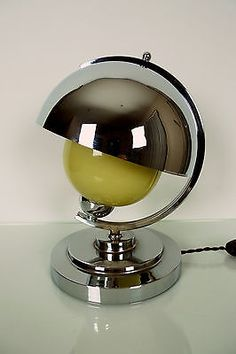 MODERNIST-Art-Deco-Lamp-Machine-Age-1940s-USA-Bakelite-Chrome-Cream-Glass