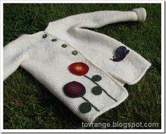 Inspirasjon til jakke med rundfelling fra Nøstebarn. Baby Knitting, Crochet Baby, Baby Sweaters, Knitting Projects, Ravelry, Sweater Cardigan, Pullover, Quilts, Children