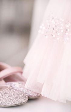 """gabytaangeles: """" Untitled en We Heart It. http://weheartit.com/entry/83005892/via/Luna_mi_Angel """""""