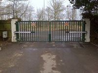 Standard Bar Infill swing gates. To know more visit http://frontline-auto.com/residential #SwingGates