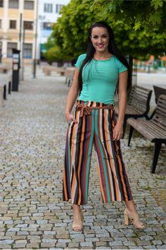Trendy, Striped Pants, Fashion, Striped Tights, Moda, Fashion Styles, Striped Shorts, Fashion Illustrations, Fashion Models