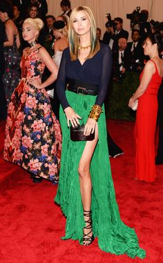 Ivanka Trump arrives in Juan Carlos Obando to the 2013 Met PUNK: Chaos To Couture Costume Institute Gala Ivana Trump, Celebrity Maternity Style, Celebrity Style, Maternity Fashion, Ivanka Marie Trump, Fashion Fail, Women's Fashion, Costume Institute, Vogue Australia