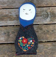 Minne Love Felt Matroyska Doll by mplsmomma on Etsy #etsy #matroyshka #doll #toy #stuffedoll #handmade #russiandoll Minne