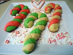I love how these cookies turned out! I saw the idea in a family fun magazine in a. Favorite Sugar Cookie Recipe, Sugar Cookies Recipe, Yummy Cookies, Christmas Crafts For Kids, Christmas Themes, Christmas Holidays, Christmas Stuff, Red Velvet Cheesecake Cookies, Food Crafts