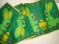 Retro Easter Danish textile table runner from INKA PRINT - 1970es. Material is jute. #retro #Danish #Easter #textile #1970 #dansk #påske #tekstil #bordløber #inkaprint From TRENDYenser.com SOLGT/SOLD