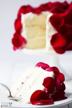 Rose Cake Recipe - made with fresh (edible!) roses - absolutely gorgeous!