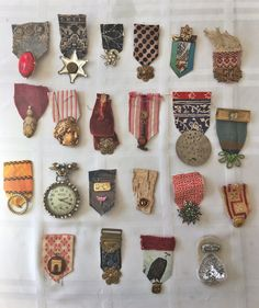 Trendy sewing crafts for girls inspiration 32 ideas Textile Jewelry, Fabric Jewelry, Textile Art, Jewelry Art, Jewellery, Crafts For Girls, Arts And Crafts, Sewing Crafts, Sewing Projects