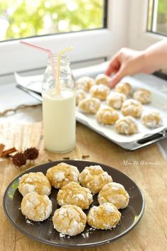 Fursecuri crăpate (crinkles) cu dovleac Confectionery, Cereal, Homemade, Breakfast, Cakes, Pie, Morning Coffee, Home Made, Cake Makers