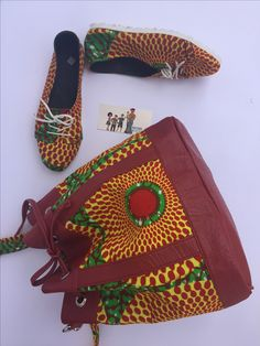 Lovely Handmade shoes with a matching bucket bag made with African print. African fashion on point. BAYABS is located in Sunyani, Ghana. We ship world wide. +233208404882(Whatsapp/ Viber) find us in Instagram: @bayabsgh_kids @bayabsaccessories Tote Bags Handmade, Handmade Clothes, Ankara Designs, Afro Punk, African Prints, Bag Making, African Fashion, Bucket Bag, Hipster