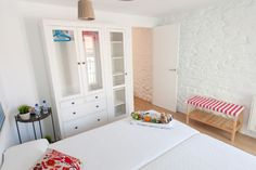 Apartment M. Separate bedroom with two single beds