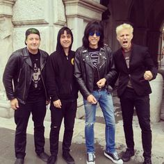 Green Day meeting a member of the Ramones! Your argument has never been more invalid!