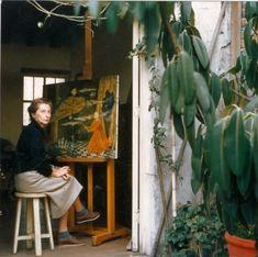 Spanish surrealist painter Remedios Varo in her studio, Photographer: Duncan McNeill Victor Brauner, Painters Studio, Artists And Models, Muse Art, Famous Artists, Art Reproductions, Art Studios, Artist At Work, Illustration Art