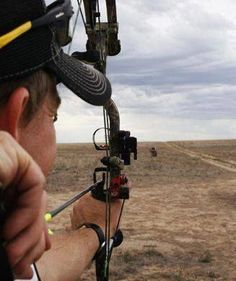 Shooting a Bow: 7 Tips For Better Long-Range Accuracy Deer Hunting Tips, Bow Hunting, Field Archery, Archery Bows, Archery Gear, Safety Courses, Western Landscape, Bowfishing, Shooting Range