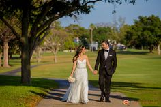 Bride and Groom - Biltmore Hotel, Coral Gables, Fl. | Photography by Santy Martinez | Miami Wedding Photographer