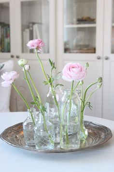 Sweet and simple — ranunculus in vases My Flower, Flower Vases, Flower Power, Beautiful Flowers, Flower Bouquets, Deco Floral, Arte Floral, Spring Blooms, Ranunculus