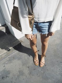 Pinterest account: abbiewilliamsx British summer by the looks of her pale legs. However, i love this look. Again. So simple!