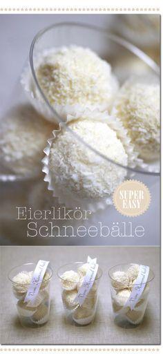 Eierlikör-Schneebälle --> Nehmt aber weniger Eierlikör. Sonst braucht die Masse ewig, bis sie fest wird!