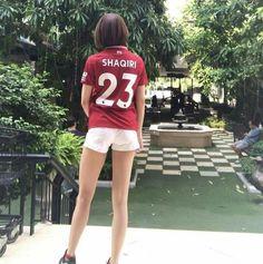 Liverpool kit : Xherdan Shaqiri Liverpool Kit, Jamie Lynn, Football Fans, White Shorts, Soccer, Hot, Women, Fashion, Moda