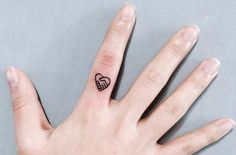 31 Tiny Finger Tattoos That Scream Of Big Things