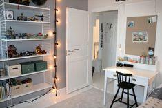 barnrum skrivbord - Sök på Google Little Babies, Kids Room, Diy Projects, Interior, House, Room Ideas, Home Decor, Google, Houses