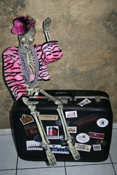 Halloween Discussion Forum, Haunts and Home Haunt Community. Haloween Ideas, Halloween Themes, Halloween Decorations, Favorite Holiday, Holiday Fun, Hotel Party, Haunted Hotel, Hotel Motel, Ahs