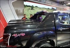 Isuzu @ Auto Expo 2016 (including the D-Max V-Cross)-2-10.jpg
