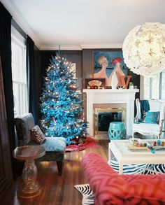 House of Turquoise: Michel Van Devender makes a blue Christmas tree work! Christmas Living Rooms, Christmas Room, Blue Christmas, Christmas Colors, Christmas Trees, Xmas Tree, Beautiful Christmas, Christmas Lights, Christmas Crafts