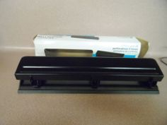 HOLE PUNCH. 3 HOLES. 10 SHEET CAPACITY. BLACK. NEW IN BOX