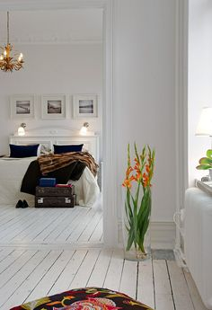 I really like this, but can it work if you have kids and a dog...scandinavian style Love the color accents