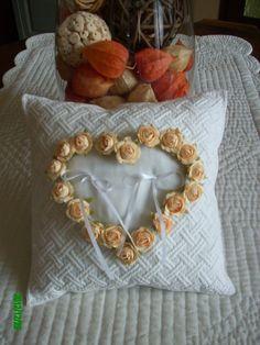 """Boutis Provençal """"Coussin de mariage"""" Blanc avec Fleurs"""
