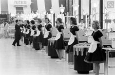 1962 - The Cashiers in the Piggly Wiggly
