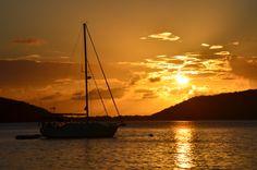 Atardecer del domingo 2 de marzo de 2014 en Playa Melones en Culebra, Puerto Rico.