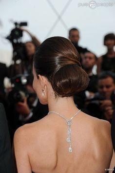 Boucheron back necklace - Elodie Bouchez - Cannes, mai 12, 2011