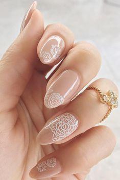 20 Latest Nail Art Designs for Brides - isishweshwe Classy Almond Nails, Fall Almond Nails, Short Almond Nails, Classy Nails, Cute Nails, Short Nails, Diy Nails, Nail Manicure, Trendy Nails
