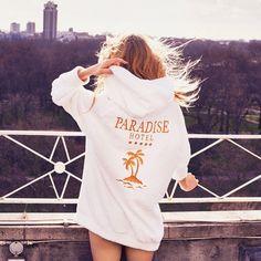 Paradise Hotel : la nouvelle collection très estivale Ashish x Topshop