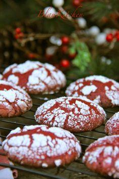 Ya estoy aquí de nuevo! esta vez con estas preciosas galletas rojo navidad, han quedado muy atractivas, espero que gusten cuando las lleve a la cena de Nochebuena junto a los pastelitos de boniato ...