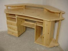The Collection of 1600 Woodworking Plans - - DIY Corner Desk Plans Diy Wood Projects, Furniture Projects, Furniture Plans, Wood Furniture, Lathe Projects, Woodworking Plans Pdf, Woodworking Furniture, Woodworking Projects, Woodworking Classes