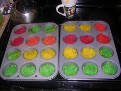 dyeing striping yarn in muffin tins - link doesn't work, but I can search the Love to Dye forum if I need to.