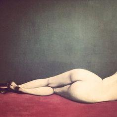 Félix Vallotton, Nu couché sur un tapis rouge [détail], 1909
