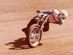 Vintage Flat Track Racing - Whip it good! Flat Track Motorcycle, Flat Track Racing, Motorcycle Art, Road Racing, Track Pictures, Side Car, Norton Commando, Ex Machina, Dirtbikes